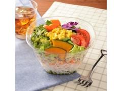 ナチュラルローソン 1日分の野菜が摂れる12品目のサラダ