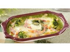 ナチュラルローソン 緑野菜とベーコンのグラタン