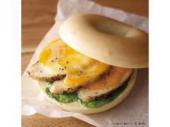 エクセルシオールカフェ ベーグルサンド 華味鳥ハーブチキン&5種のチーズ