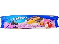 オランジェ オレオ クッキー&ストロベリークリームのエクレア 袋1個