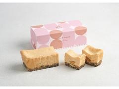 BAKE CHEESE TART 桃とアールグレイのチーズテリーヌ