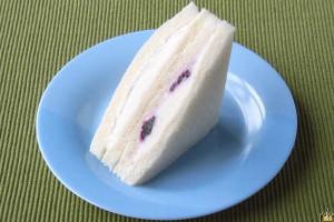 ホイップに迫る白さのKiri®のクリームチーズ。