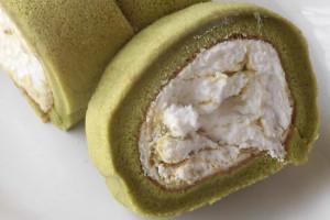 白いクリームと緑の抹茶が織りなすマーブル模様。
