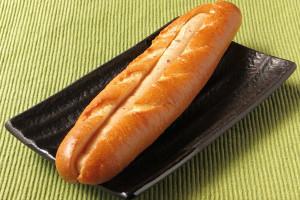 クープは4本斜めに入った細長いフランスパン。