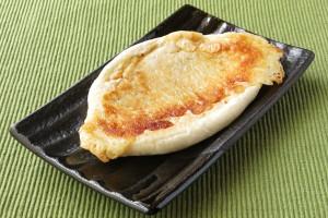 紡錘形の平焼きパン。