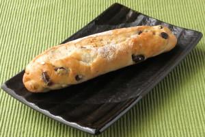 コッペパン型の太短いフランスパン。
