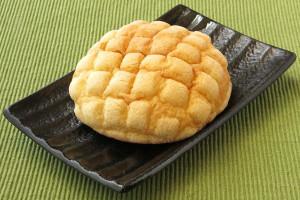格子模様がついたオーソドックスなメロンパン。