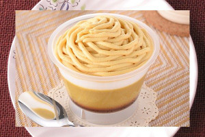 なめらかな安納芋プリンにホイップと安納芋クリームをたっぷり絞ったカップスイーツ。