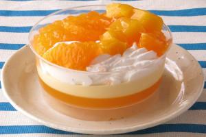 ホイップクリームの上に不知火とマンゴー、柑橘ゼリーがこんもり。