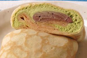 薄緑のエアリーな抹茶ホイップの中に、ねっとりなめらかな生チョコ。