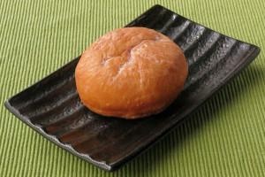 あんパンのような丸い生地。