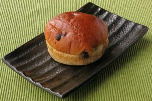 背の低いカップケーキ型のパン。