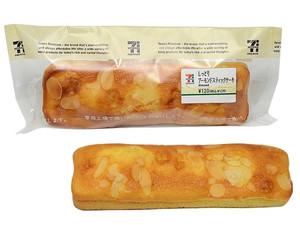 セブンイレブン しっとりアーモンドスティックケーキ