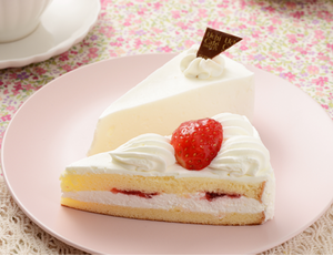 苺のショートケーキ&レアチーズケーキ ローソン