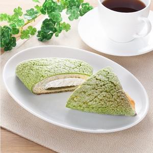 ファミリーマート 抹茶のホイップデニッシュメロンパン