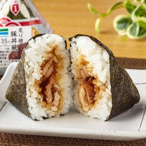 ピリ辛味付海苔 炙り焼豚丼風 ファミマ