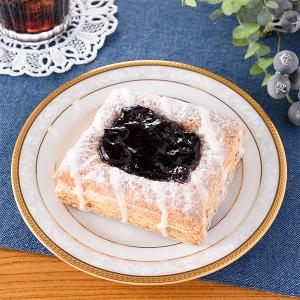 フルーツパイ(ブルーベリー&フロマージュクリーム) ファミマ