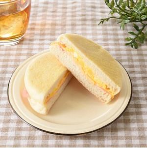 ファミリーマート もっちり食感マフィンハムチーズエッグ