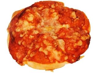 ファミリーマート 完熟トマトのピザパン