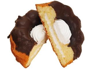 ファミリーマート チョコがけクグロフ 北海道産牛乳入りホイップクリーム使用