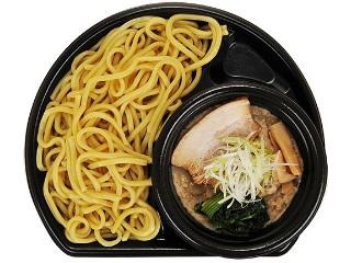 ファミリーマート 濃厚鶏白湯スープのつけ麺