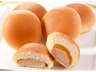 ファミマ・ベーカリー なめらかピーナッツクリームパン