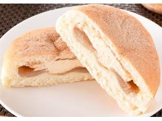 ファミマ・ベーカリー わらび餅パン