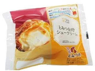 ローソン Uchi Cafe' SWEETS とみつ金時シュークリーム