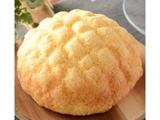ローソン 香るバターのサックリメロンパン