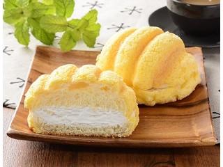 ローソン ザクザククッキーホイップメロンパン