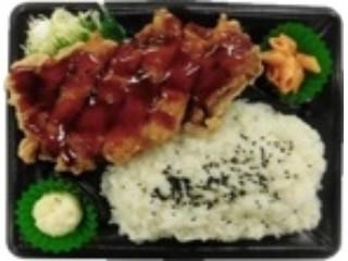 デイリーヤマザキ 大きな揚げ鶏弁当 ガーリック醤油ソース