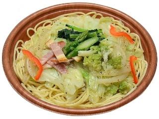 セブン-イレブン 1/2日分の野菜とベーコンのペペロンチーノ