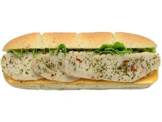 セブン-イレブン たんぱく質が摂れるサラダチキンロール