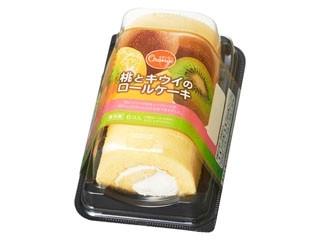 桃とキウイのロールケーキ
